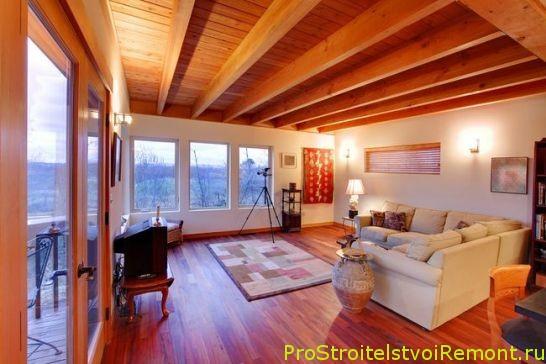 Установка деревянного пола в гостиной фото