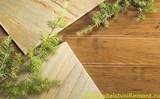 Дизайн гостиной с деревянным полом и телевизором фото. Купить деревянный пол.