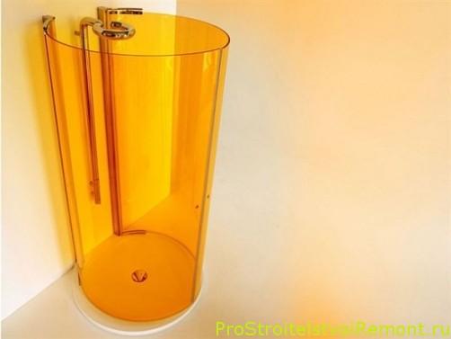 Современная душевая кабина в маленькой ванной комнате фото