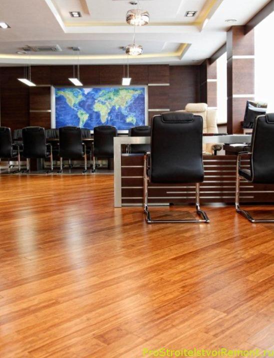 Как установить деревянный пол в офисе? Фото полов в офисе.