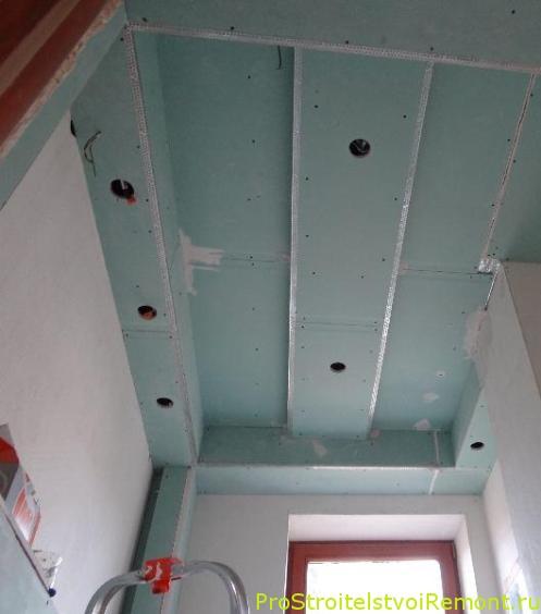 Установка подвесных потолков из влагостойкого гипсокартона фото