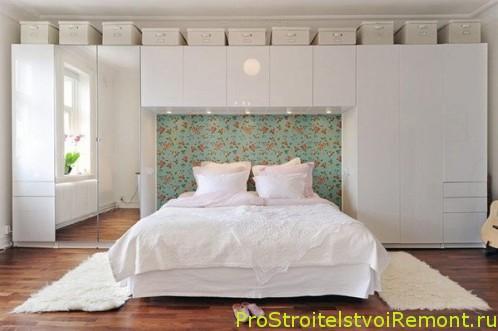 Двуспальная кровать в современном стиле спальни фото