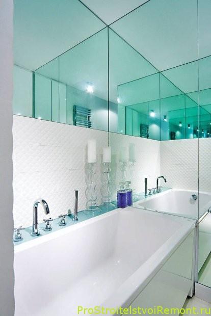 Зеркало в маленькой ванной комнате фото