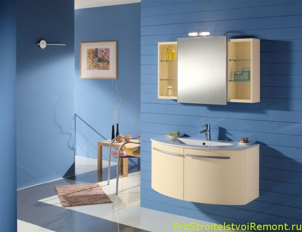 Ванная в синих и голубых тонах